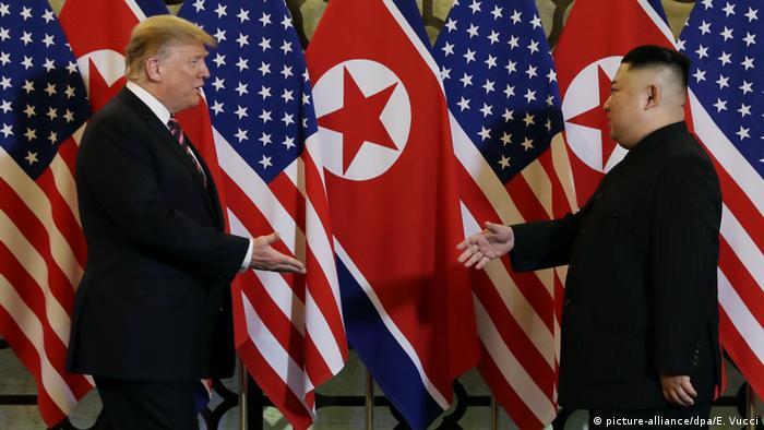 Vietnam, Hanoi: Treffen Donald Trump und Kim Jong Un (picture-alliance/dpa/E. Vucci)