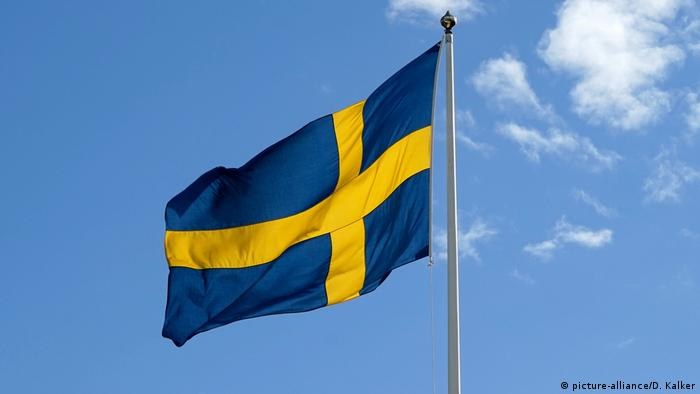 Schweden Flagge (picture-alliance/D. Kalker)