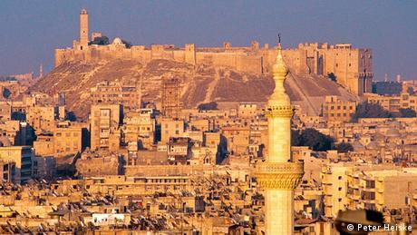 Syrien, Aleppo: Blick über die Altstadt von Westen auf die Zitadelle (Peter Heiske)