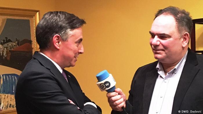Belgrad, David McAllister im Gespräch mit Dragoslav Dedović