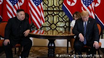 На саммите в Ханое между Ким Чен Ыном и Дональдом Трампом