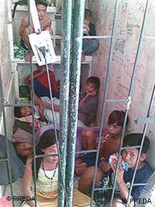 Kinder in Philippinischen Gefängnissen PREDA Malabon Mädchen Sozialzentrum