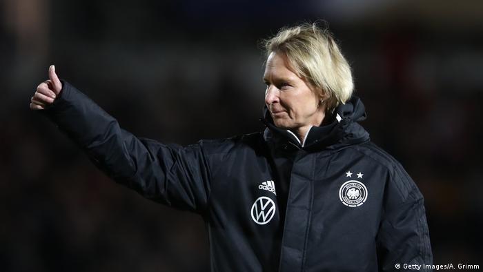 Frauenfußball - Länderspiel: Frankreich vs Deutschland, Bundestrainerin Voss-Tecklenburg