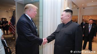 ABD Başkanı Trump ve Kuzey Kore lideri Kim Vietnam'ın başkenti Hanoi'de bir araya geldi.