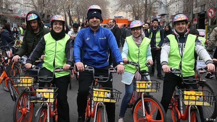 همایش همگانی دوچرخه سواری در خیابان میرداماد تهران با حضور شهروندان و شماری از ورزشکاران و مشارکت چشمگیر زنها برگزار شد. آخرین دوچرخهسواری عمومی در تهران ۲۸ دی و به مناسبت روز هوای پاک انجام شده بود. هیات دوچرخهسواری استان تهران و کمیته همگانی فدراسیون دوچرخهسواری متولیان این همایش بودند.