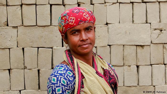 Bangladesch Frauen Arbeitsperspektive (DW/M. M. Rahman)