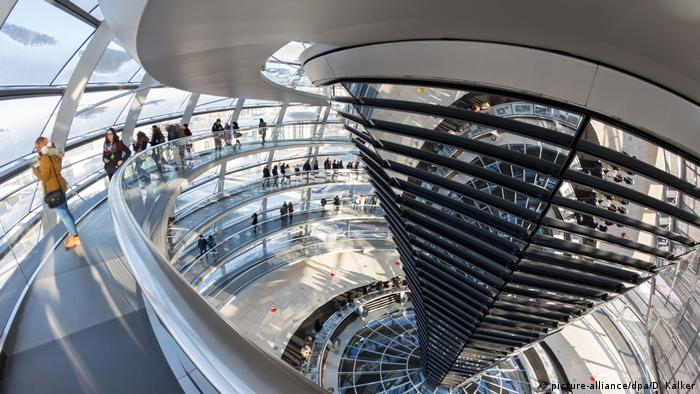 The Reichstag dome, Berlin (picture-alliance/dpa/D. Kalker)
