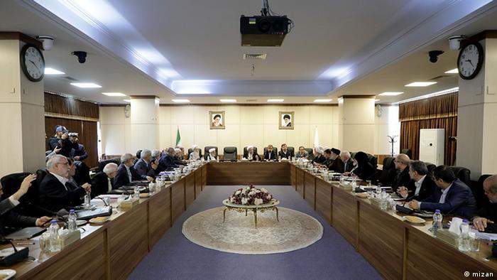 عکس آرشیوی از یکی از نشستهای مجمع تشخیص مصلحت نظام برای بررسی دو لایحه مرتبط با گروه ویژه اقدام مالی
