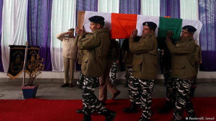 Indien Kaschmir Beisetzung CRPF Polizist in Srinagar