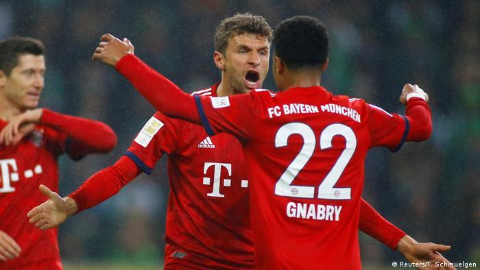 Bundesliga - Borussia Moenchengladbach gegen Bayern München Tor zum 0:2 (Reuters/T. Schmuelgen)