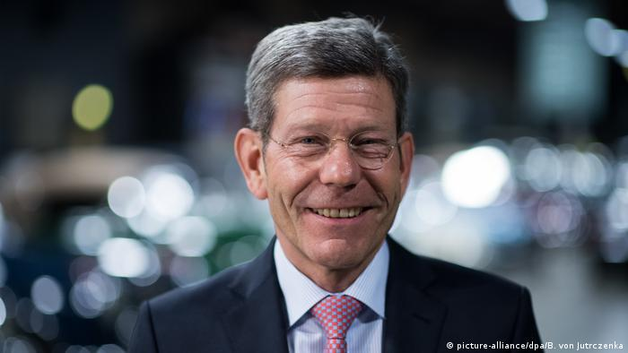 VDA President Bernhard Mattes (picture alliance/dpa/B. von Jutrczenka)