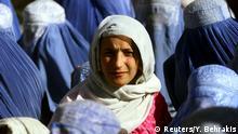 Foto von Yannis Behrakis: Frau in Afghanistan ohne Schleier