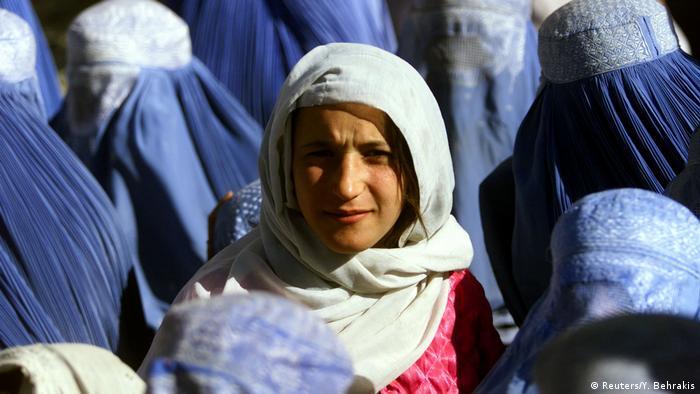 Foto von Yannis Behrakis: Frau in Afghanistan ohne Schleier (Reuters/Y. Behrakis)