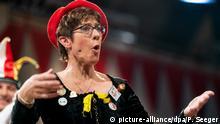 Deutschland Karneval Narrengericht in Stockach Annegret Kramp-Karrenbauer