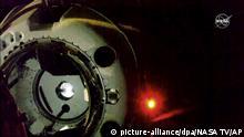 SpaceX Dragon beim Andocken mit der ISS