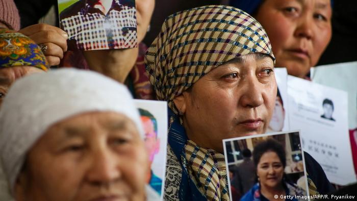 China Anwendung von Zwangsarbeit an Muslimischen Gefangenen (Getty Images/AFP/R. Pryanikov)