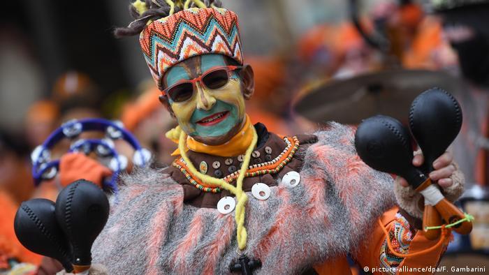 Rosenmontag in Köln Karneval in Deutschland 2019 (picture-alliance/dpa/F. Gambarini)