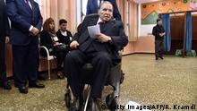 Algerien Algier - Abdelaziz Bouteflika im Rollstuhl zur Wahl 2017