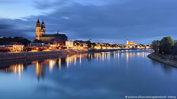 Elbe und Dom in Magdeburg (picture-alliance/imagebroker/A. Vitting)