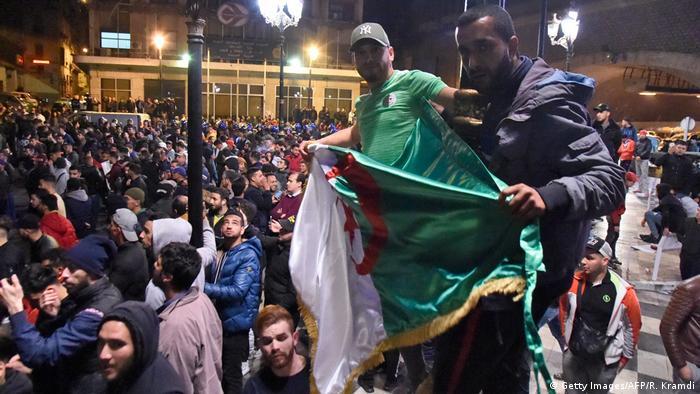 Demonstrators in Algiers (Getty Images/AFP/R. Kramdi)