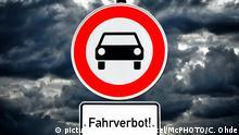 Schild Fahrverbot fuer Kfz, Diesel-Fahrverbote, Deutschland | traffic sig ban on driving, Germany | Verwendung weltweit