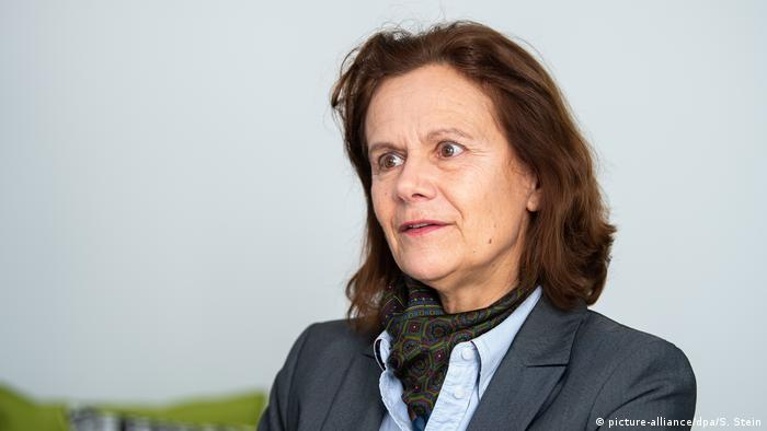 Frankfurt am Main - Gisela Mayer (picture-alliance/dpa/S. Stein)