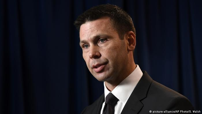 Der Chef des Grenzschutzes, Kevin McAleenan, bei der Pressekonferenz in Washington (Foto: picture-alliance/AP Photo/S. Walsh)