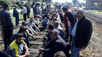 کارگران راهآهن عمدتا از طریق شرکتهای پیمانکاری و با قراردادهای موقت مشغول به کار هستند