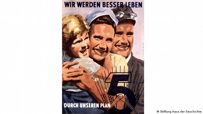 East German propaganda placard (Stiftung Haus der Geschichte)