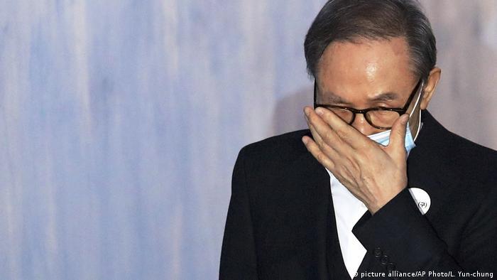 Südkorea Korruption l Ex-Präsident Lee Myung Bak ist gegen Kaution aus der Haft entlassen worden