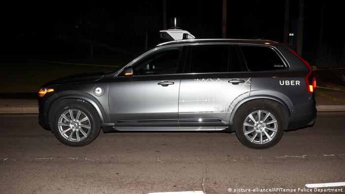 A 2018 police photo of a self-driving Uber involved in a fatal crash in Tempe (picture-alliance/AP/Tempe Police Department)