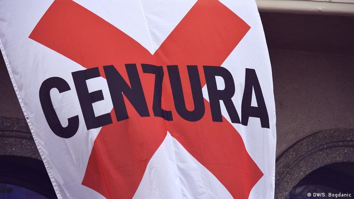 Plakat na nedavnom prosvjedu novinara u Zagrebu na kojem stoji CENZURA