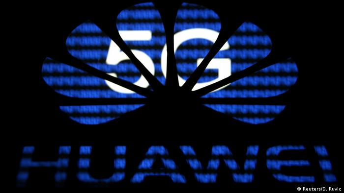 5G and Huawei Logo (Reuters/D. Ruvic)