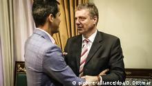 Venezuela Caracas Juan Guaido und der Deutsche Botschafter Daniel Kriener