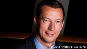 Dr. Henning Cuhls, Leiter der Palliativmedizin am Universitätsklinikum Bonn (UKB)