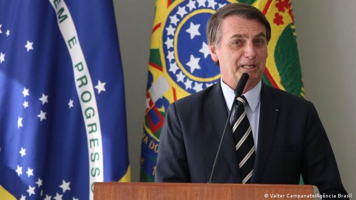 Tenho certeza que o país está em momento de 'céu de brigadeiro', disse Bolsonaro em Brasília