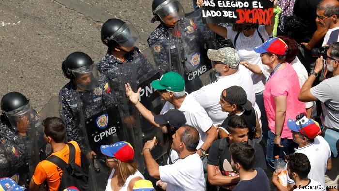 Venezuela Krise l Proteste in Caracas (Reuters/C. Jasso)
