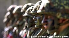 Deutschland Heeres-Soldaten der Bundeswehr in Heuberg