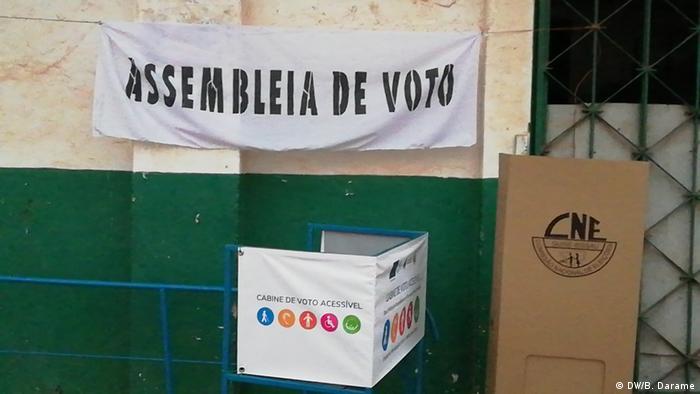 Foto de arquivo: Assembleia de voto nas legislativas de março de 2019.