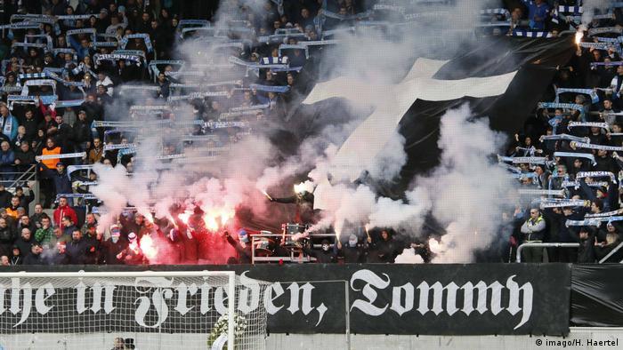 Deutschland Trauerminute für Neonazi beim FC Chemnitz löst heftige Debatte aus
