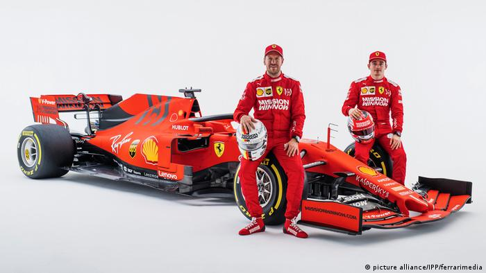 Sebastian Vettel (l) could be challenged by teammate Charles Leclerc this season (picture alliance/IPP/ferrarimedia)