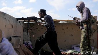 Syrien Deir Al Zor Provinz - Zivillisten auf der Flucht vom IS