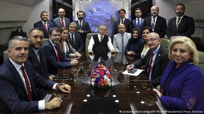 Ungarn | Erdogan im Flugzeug mit Journalisten | Jamal Khashoggi