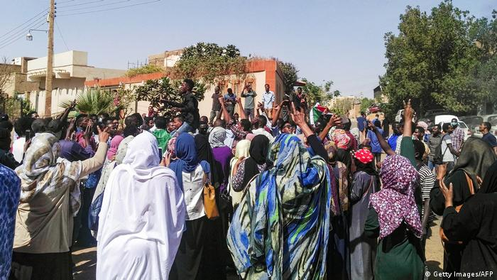 Sudan | Proteste in Omdurman (Getty Images/AFP)