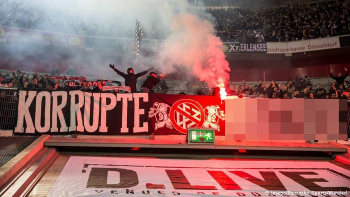 Fans Protest As Eintracht Frankfurt Defeat Fortuna Dusseldorf Sports German Football And Major International Sports News Dw 11 03 2019