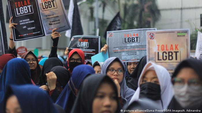 Indonesien 2018 Anti-LGBT-Proteste in Bogor, West Java (picture-alliance/Zuma Press/SOPA Images/A. Adinandra)