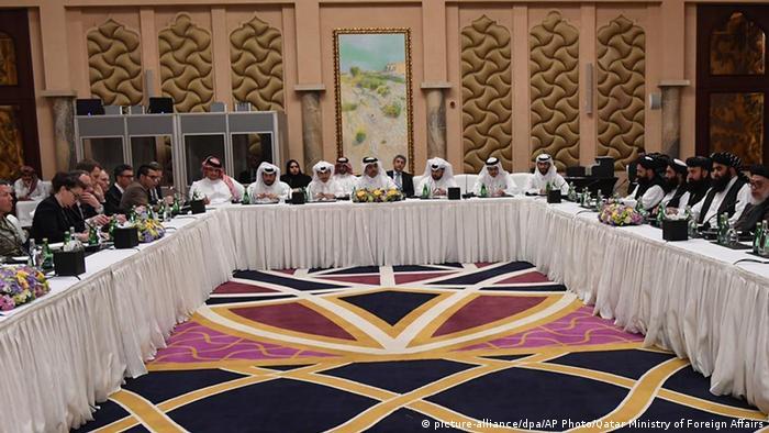 Gespräche einer US-Delegation mit Taliban-Vertretern Ende Februar in Katars Hauptstadt Doha (Foto: picture-alliance/dpa/AP Photo/Qatar Ministry of Foreign Affairs)