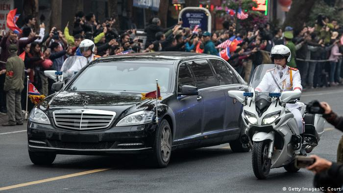 Kim Jong Un in Mercedes-Limousine (Getty Images/C. Court)