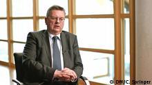 DFB-Präsident Reinhard Grindel im DW-Interview mit Florian Bauer in Frankfurt am Main (12.3.2019) Foto: Cem Springer/DW