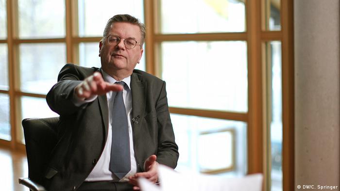 DW-Interview mit Reinhard Grindel, DFB-Präsident (DW/C. Springer)